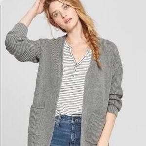 Women's chucks sweater